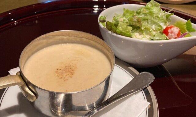 ゴッテリのスープとサラダ
