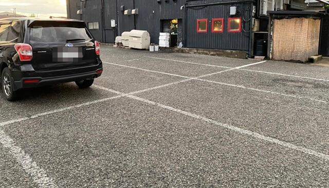 2代目赤鍋屋の駐車場