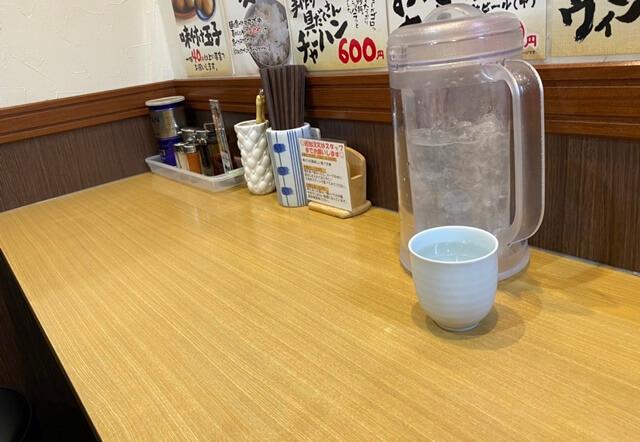 むてっぽう太郎丸店のカウンター席