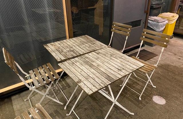 SHOGUN PIZZAのテーブル
