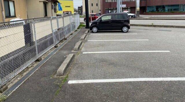 私はトゥンカロンに恋をしたの駐車場