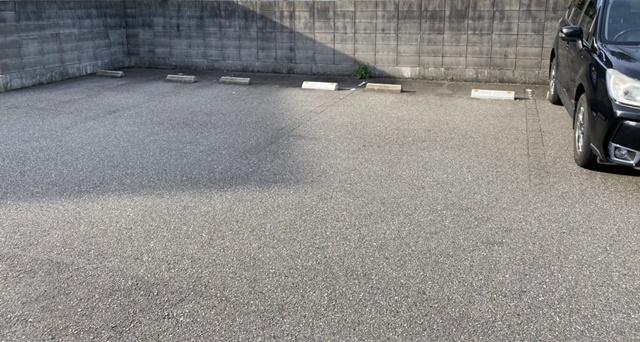アルパカコーヒー太郎丸の駐車場
