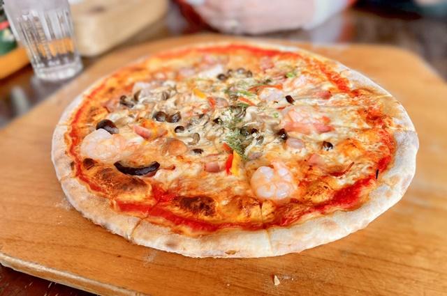 珈琲哲学のピザ