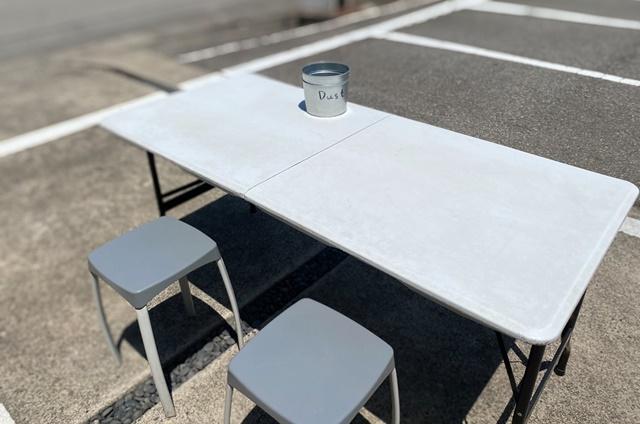 ぷちロールのテーブル席