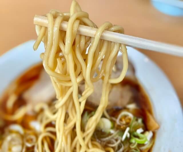 らーめん大翔の醤油ラーメンの麺