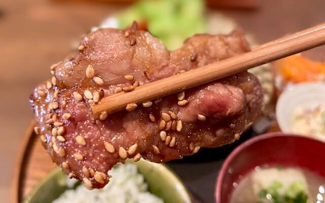 山元食堂の日替わりランチ豚肉