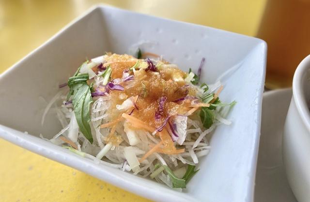 カフェ ヴェルデのランチセットのサラダ