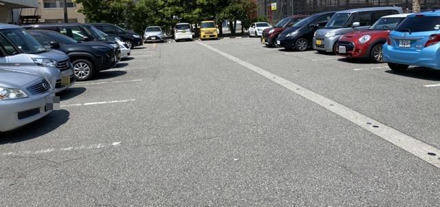 カフェ ヴェルデの駐車場