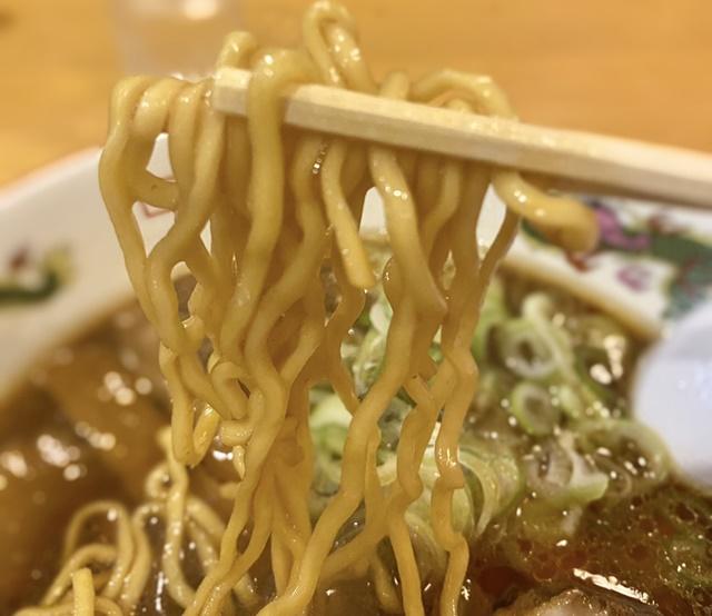 樹亭 南店のラーメンの麺