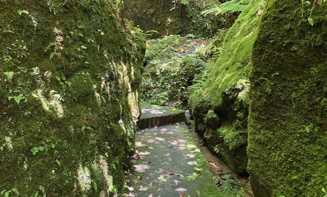 大岩日石寺の千巌渓への経路
