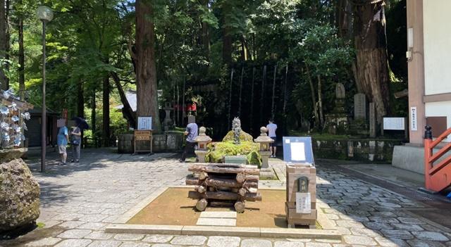 大岩日石寺の六本滝