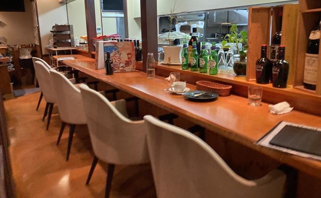 イルゴッチのテーブル席