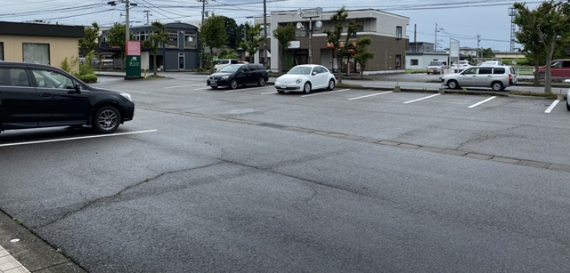 ジェニコ 富山の駐車場