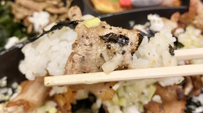 テジカエン東中野店のサムギョプサル弁当のテイクアウト