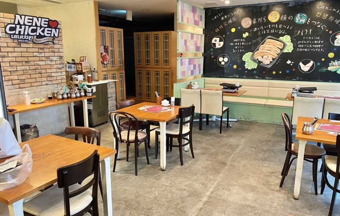 テジカエン東中野店のテーブル席