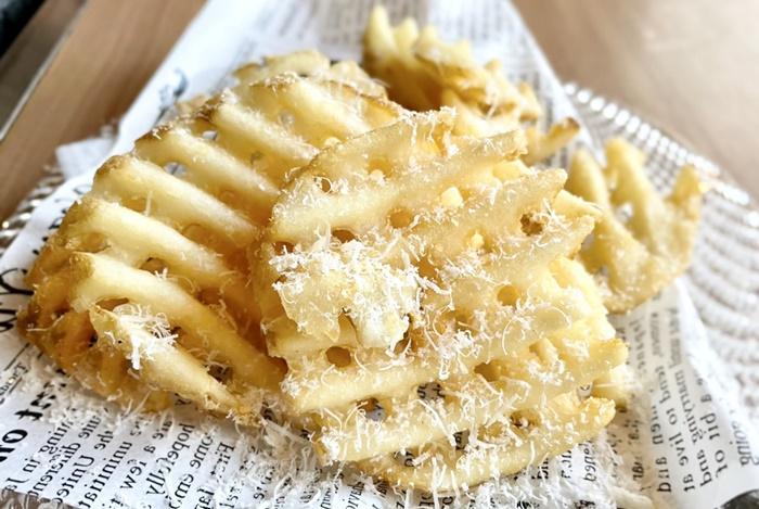 BUTAMAJIN 根塚店のチーズポテト