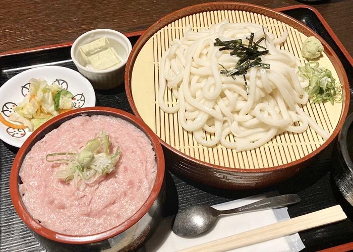 寿司居酒屋 こざるのランチの海鮮丼