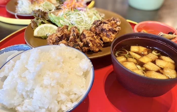 食堂 MARUKOの唐揚げ定食