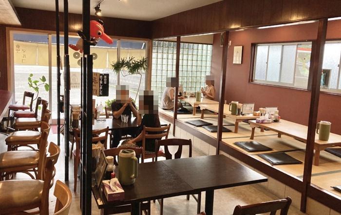 食堂 MARUKOの店内