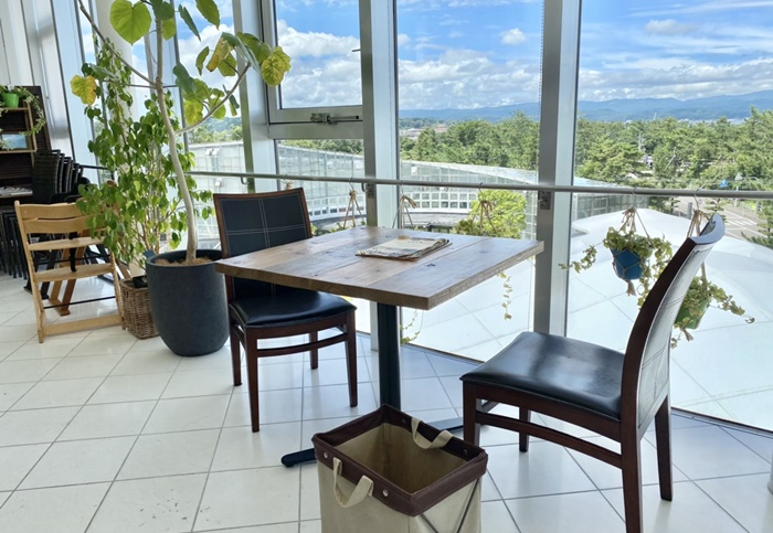 ソラトキ(旧ボルカノ)のテーブル
